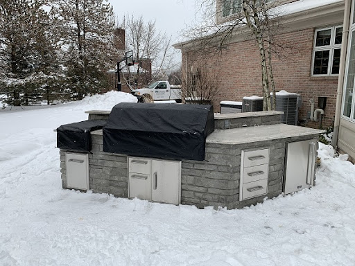 Granite outdoor kitchen in the cold
